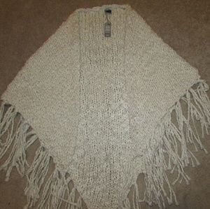 Aerie hand knitted shrug/shawl